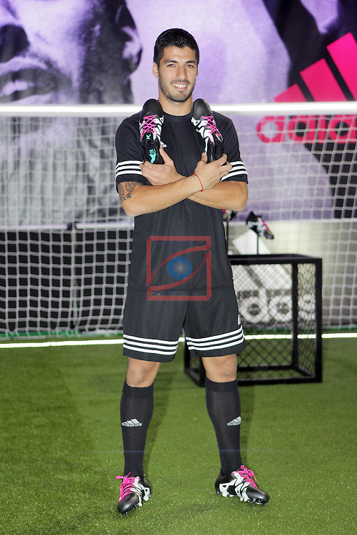 Luis Suarez presenta las nuevas botas adidas X15 en Barcelona.