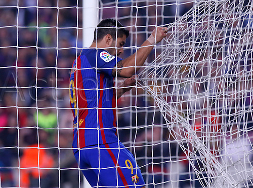 29.10.2016 Barcelona. La Liga football league.  Luis Suarez runs into the net as he attempts to score during the league game between FC Barcelona against Granada CF at camp nou