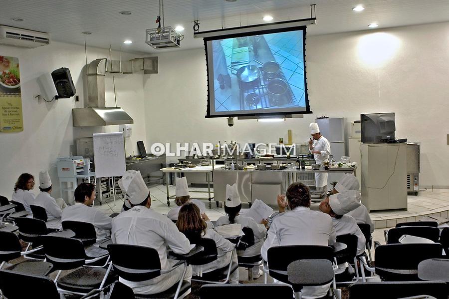 Escola de gastronomia em Bento Gonçalves. Rio Grande do Sul. 2007. Foto de Cris Berger.
