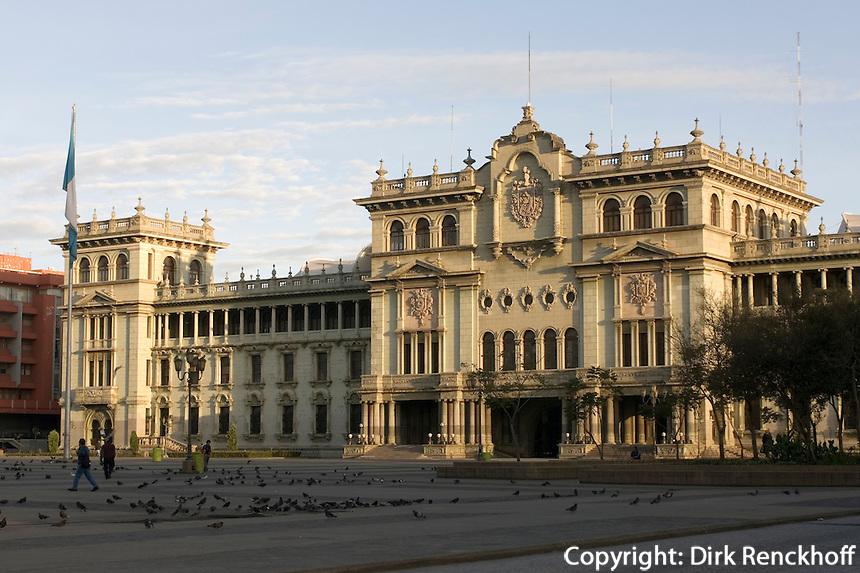 Guatemala, Palacio Nacional (Nationalpalast) in Guatemala-City, erbaut 1943
