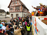 Büttelborn 03.03.2019: Rosensonntagsumzug<br /> Prinz Ingo I. grüßt die Feiernden von der Prinzenrolle<br /> Foto: Vollformat/Marc Schüler, Schäfergasse 5, 65428 R'eim, Fon 0151/11654988, Bankverbindung KSKGG BLZ. 50852553 , KTO. 16003352. Alle Honorare zzgl. 7% MwSt.