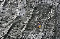 Kitesurfer: EUROPA, DEUTSCHLAND, SCHLESWIG-HOLSTEIN, FEHMARN 09.10.2010:    Beach, Brandung,  Coast, Competition,  Deutschland,  Exteme, Sports,  Extrem Sport,  Germany,  Insel, Island,    Kite,  Kiten, Kiter,  Kitesurfen,   Kitesurfer,  Kitesurfing,   Kitsurfen,   Kueste,   Meer, Ostsee,  Ocean,  Ozean,  Schleswig-Holstein, Sea,    Shorebreak,  Surfen, surfer,  surfing, Wasser,  Wassersport, Water, Watersports, Wave,  waveriding,  Waves,  Welle,  Wellen,  wellenreiten, Weltmeisterschaft, Luftaufnahme, luftbild, Luftansicht, Uebersicht, Ueberblick, Ansicht, Flugaufnahme, Flugbild, Airial, ...c o p y r i g h t : A U F W I N D - L U F T B I L D E R . de.G e r t r u d - B a e u m e r - S t i e g 1 0 2, 2 1 0 3 5 H a m b u r g , G e r m a n y P h o n e + 4 9 (0) 1 7 1 - 6 8 6 6 0 6 9 E m a i l H w e i 1 @ a o l . c o m w w w . a u f w i n d - l u f t b i l d e r . d e.K o n t o : P o s t b a n k H a m b u r g .B l z : 2 0 0 1 0 0 2 0  K o n t o : 5 8 3 6 5 7 2 0 9. V e r o e f f e n t l i c h u n g n u r m i t H o n o r a r n a c h M F M, N a m e n s n e n n u n g u n d B e l e g e x e m p l a r !.