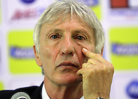BOGOTA-COLOMBIA-07 -11-2013 : Jose Pekerman director tecnico de la seleccion Colombiana de futbol de mayores durante su conferencia de prensa antes de viajar a Europa para sus encuentros amistosos contra Belgica y Holanda preparativos para el mundial de Brasil 2014 /Jose Pekerman selection technical director of the largest Colombian football during his press conference before traveling to Europe for friendlies against Belgium and Holland preparations for the World Cup Brazil 2014.Pohoito:VizzorImage / Felipe Caicedo / Staff