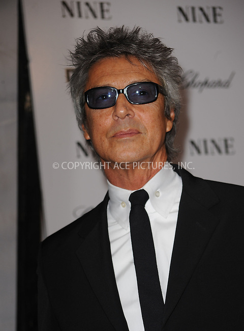 WWW.ACEPIXS.COM . . . . . ....December 15 2009,  New York City....Tommy Tune arriving at the New York premiere of 'Nine' at the Ziegfeld Theatre on December 15 2009 in New York City....Please byline: KRISTIN CALLAHAN - ACEPIXS.COM.. . . . . . ..Ace Pictures, Inc:  ..(212) 243-8787 or (646) 679 0430..e-mail: picturedesk@acepixs.com..web: http://www.acepixs.com