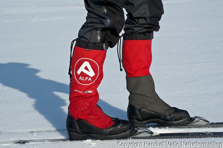 Alfa Gaiter 1 GTX skisko med integrert gamasje. ---- Alfa Gaiter 1 GTX skiing boot with integrated gaiter.