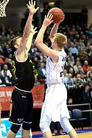 GRONINGEN - Basketbal, Donar - Telenet Giants Antwerp, Martiniplaza,  Europe Cup, seizoen 2017-2018, 06-12-2017,  Donar speler Evan Bruinsma met Antwerp speler Roby Rogiers