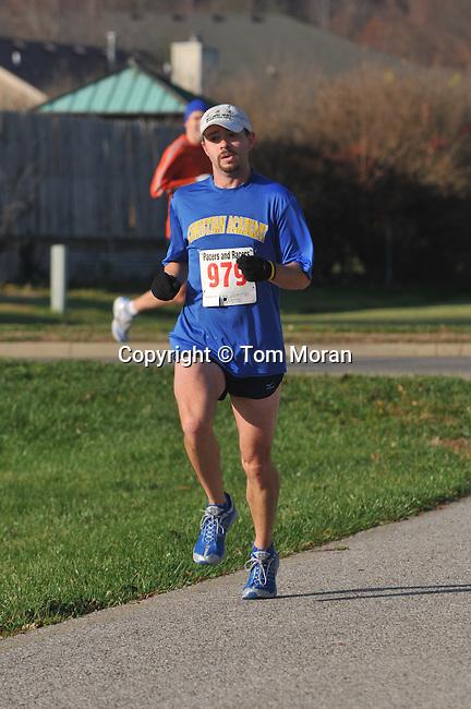 Fast Freddie's Five Mile Foot Feast, New Albany, IN  26 November 2009  Photo by Tom Moran
