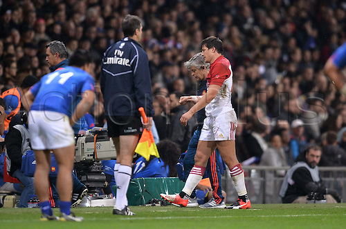 12.11.2016. Stadium Toulouse, Toulouse, France. Autumn International rugby match, France versus Samoa. An injred Francois Trinh Duc (fra) leaves the field of play