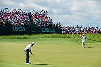 Zach Johnson (USA) watches his putt on 6 during Saturday's round 3 of the 117th U.S. Open, at Erin Hills, Erin, Wisconsin. 6/17/2017.<br /> Picture: Golffile | Ken Murray<br /> <br /> <br /> All photo usage must carry mandatory copyright credit (&copy; Golffile | Ken Murray)