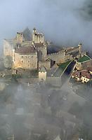 Europe/France/Aquitaine/24/Dordogne/Vallée de la Dordogne/Périgord/Périgord noir/Beynac-et-Cazenac: Le Château de Beynac à l'aube