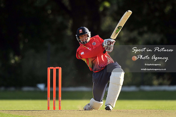 Wanstead and Snaresbrokk CC Vs Essex CC. James Foster Benefit Match. Wanstead Cricket Club. 11/09/2011. MANDATORY Credit Sportinpictures/Garry Bowden - NO UNAUTHORISED USE - 07837 394578