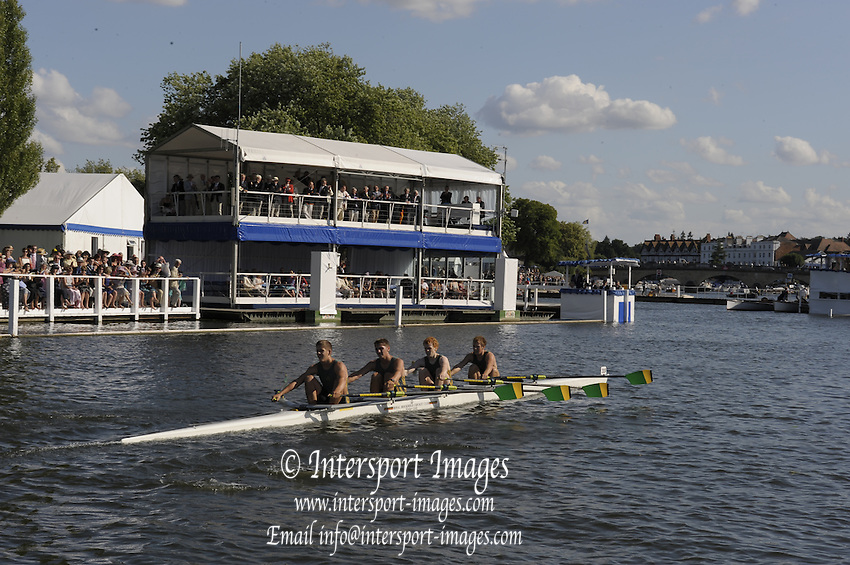 Henley, Great Britain.   Windsor Boys' School , in the closing stages of the heat in the Fawley Challenge  Cup.  2009 Henley Royal Regatta Friday 03/07/2009 at  [Mandatory Credit. Peter Spurrier/Intersport Images] . HRR.