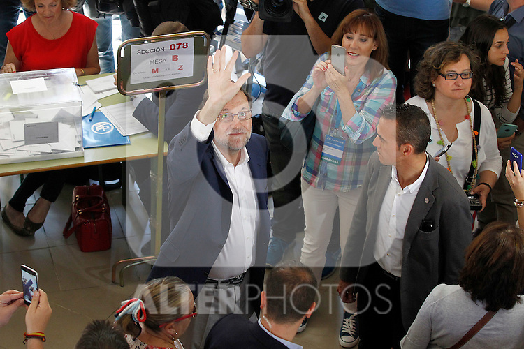 Mariano Rajoy, Spain's acting Prime Minister of the caretaker government, casts his vote for the Spanish general election. June 26,2016. (ALTERPHOTOS/Acero)