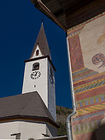 Kirche, Historisches Dorf Ardez, Scuol, Unterengadin, Graubünden, Schweiz, Europa<br /> Church in Historic village Ardez, Scuol, Engadine, Grisons, Switzerland