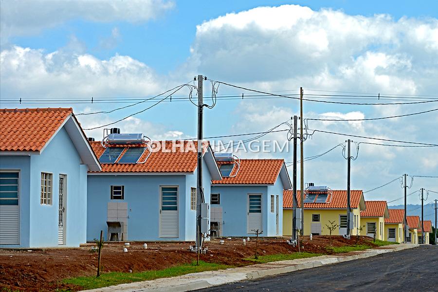 Casas de conjunto habitacional em Uniao da Vitoria. Parana. 2014. Foto de Olga Leiria.