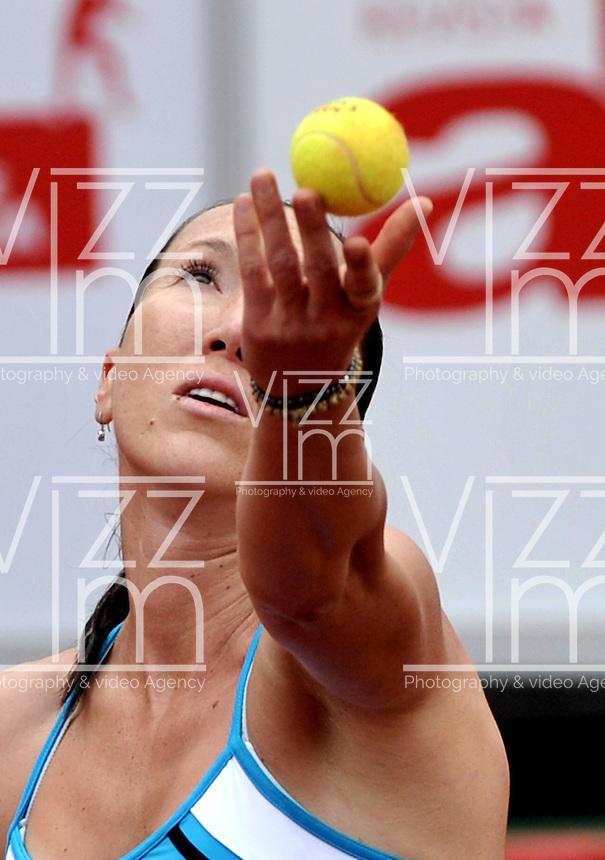 BOGOTA - COLOMBIA - FEBRERO 21-02-2013: Jelena Jankovic de Serbia, en acción durante partido por la Copa de Tenis WTA Bogotá, febrero 21 de 2013. (Foto: VizzorImage / Luis Ramírez / Staff). Jelena Jankovic from Serbia, in action, during a match for the WTA Bogota Tennis Cup, on February 21, 2013, in Bogota, Colombia. (Photo: VizzorImage / Luis Ramirez / Staff)...