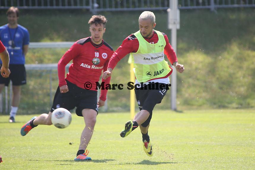 Stephan Schröck (Eintracht) gegen Vaclav Kadlec  - Eintracht Frankfurt Training, Commerzbank Arena