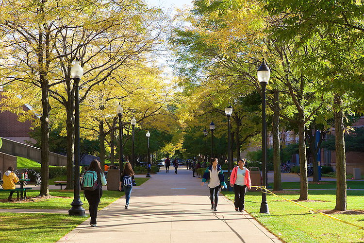 DePaul University's Lincoln Park campus shows its fall colors October 7, 2014. (DePaul University/Jeff Carrion)