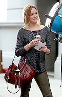 August 17, 2012 Kaylee Defer shooting on location for Gossip Girl in New York City. &copy; RW/MediaPunch Inc. /NortePhoto.com<br /> <br /> **SOLO*VENTA*EN*MEXICO**<br /> **CREDITO*OBLIGATORIO** <br /> *No*Venta*A*Terceros*<br /> *No*Sale*So*third*<br /> *** No Se Permite Hacer Archivo**<br /> *No*Sale*So*third*