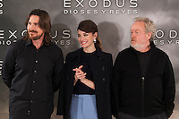 Sir Ridley Scott (R), Christian Bale and spanish actress Maria Valverde pose during the World Premiere of 'Exodus: Gods and Kings' in Madrid, Spain. december 04, 2014. (ALTERPHOTOS/Victor Blanco)