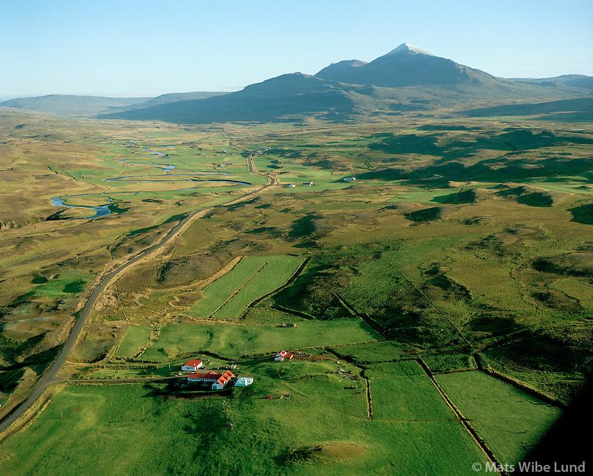 Daufá séð til suðurs, Mælifell í baksýni, Lýtingsstaðahreppur / Daufa viewing south. Mount Maelifell in background. Lytingsstadahreppur.