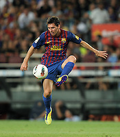 FUSSBALL  INTERNATIONAL   SAISON 2011/2012   22.08.2010 Gamper Cup FC Barcelona - SSC Neapel Lionel Messi (Barca) am Ball