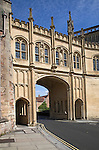 Archway and bridge linking Vicars' Close and the cathedral, Wells, Somerset, England
