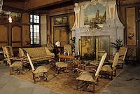 Europe/France/Auverne/63/Puy-de-Dôme/Effiat: Le château d'Effiat - La salle des Gardes et sa cheminée renaissance