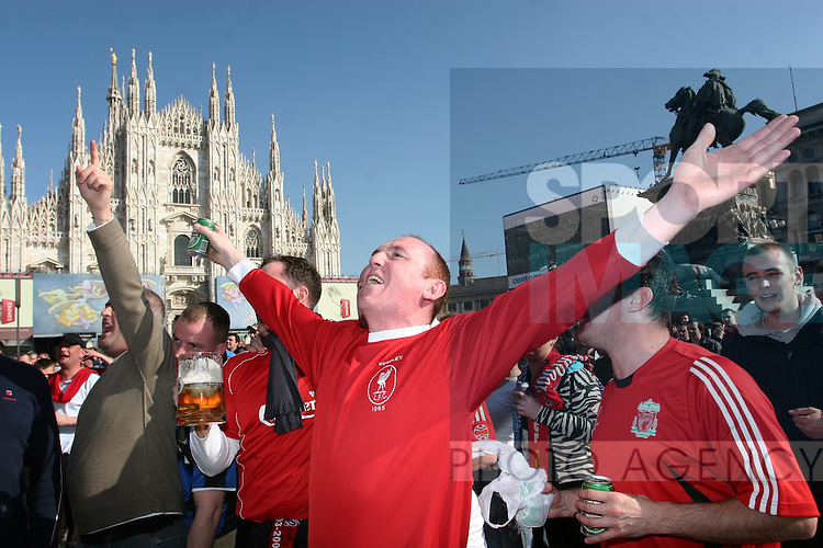 Liverpool fans in the Piazza Duomo in Milan before kick off