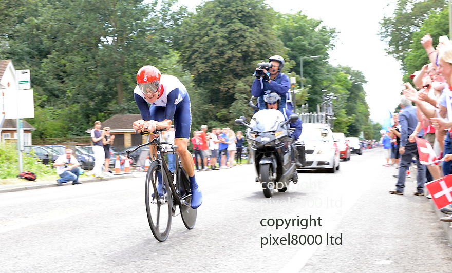 Cycling time trial Mens..Bradley Wiggins goes for gold in time trial today 1.8.12.....Pic by Gavin Rodgers/Pixel 8000 Ltd