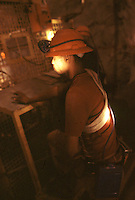 SUDAFRICA - Kimberley, miniera di diamanti di Bultfontein ( Miniere De Beers: un minatore al lavoro.