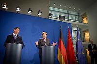 Der Staatspr&auml;sident der Volksrepublik China, Xi Jinping und Bundeskanzlerin Angela Merkel (CDU) geben am Freitag (28.03.14) in Berlin eine Pressekonferenz.<br /> Foto:Axel Schmidt/CommonLens
