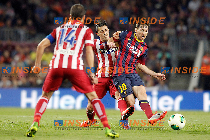 FC Barcelona's Leo Messi (r) and Atletico de Madrid's Gabi Fernandez (l) and David Villa during Supercup of Spain 2nd match.August 28,2013. (ALTERPHOTOS/Acero) <br /> Football Calcio 2013/2014<br /> La Liga Spagna Supercoppa di Spagna Barcellona - Atletico MAdrid <br /> Foto Alterphotos / Insidefoto <br /> ITALY ONLY