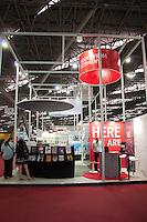 SÃO PAULO-SP-26,08,2014-BIENAL DO LIVRO/MOVIMENTAÇÃO DO PÚBLICO - Público (principalmente infantil e adolescente) durante a Bienal do Livro no Anhembí.Região Norte da cidade de São Paulo,na tarde dessa Terça-Feira,26(Foto:Kevin David/Brazil Photo Press)