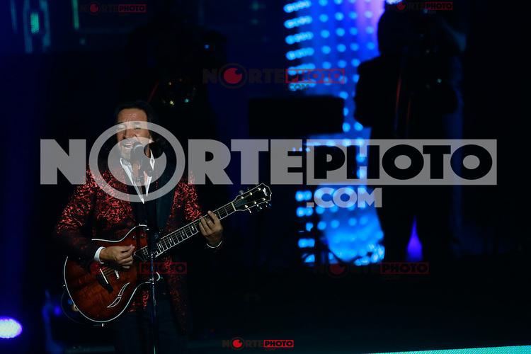 Marco Antonio Solis & Camila en el The AXIS at Planet Hollywood de las Vegas el 12 Sep 2015.