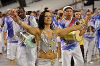 SÃO PAULO, SP, 03 DE FEVEREIRO DE 2013 - ENSAIO TÉCNICO ACADÊMICOS DO TATUAPÉ - Ensaio técnico da Escola de Samba Acadêmicos do Tatuapé na preparação para o Carnaval 2013. O ensaio foi realizado na noite deste domingo (03) no Sambódromo do Anhembi, zona norte da cidade. FOTO LEVI BIANCO - BRAZIL PHOTO PRESS