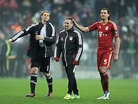 FUSSBALL   CHAMPIONS LEAGUE   SAISON 2011/2012     22.11.2011 FC Bayern Muenchen - FC Villarreal Torwart Manuel Neuer,  Franck Ribery, Daniel van Buyten (v. li., FC Bayern Muenchen)