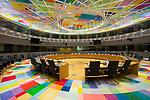 Sala de reuniones S3 del Eurogrupo y consejos de ministros del Consejo Europeo, en Bruselas, Dic. 6, 2017. MANDATORY COPYRIGHT FOR THE IMAGE: Copyright building:<br /> Philippe Samyn and Partners architects and engineers -lead and design partner Studio Valle Progettazioni architects Buro Happold engineers.<br /> Colour compositions by Georges Meurant. <br /> ---<br /> MANDATORY COPYRIGHT FOR THE IMAGE: Copyright building:<br /> Philippe Samyn and Partners architects and engineers -lead and design partner Studio Valle Progettazioni architects Buro Happold engineers.<br /> Colour compositions by Georges Meurant. <br /> ---<br /> Europa Building en Bruselas acoge reuniones de jefes de gobierno de la UE Europa Building se inauguró durante la presidencia maltesa. La prensa dijo que el edificio en forma de huevo está encerrado en un cubo de vidrio. Su construcción se mantuvo en secreto, ya que el entonces primer ministro británico, David Cameron, criticó duramente lo que consideraba un gasto típicamente innecesario de la UE.<br /> PHOTO CREDIT © DELMI ALVAREZ