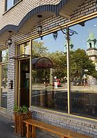 La DINETTE TRIPLE CROWN dans le quartier Mile-ex sur Montreal, Canada.<br /> <br /> <br /> Photo : Pierre Roussel - Agence Quebec Presse