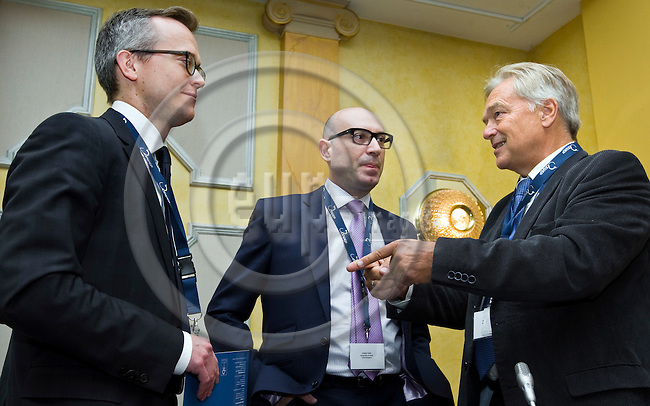 BRUSSELS - BELGIUM - 24 September 2014 -- 7th Confederation of European Waste-to-Energy Plants (CEWEP) Waste-to-Energy Congress 2014 - Local Energy from Local Waste - Affordable, Secure & Sustainable. -- Panel Discussion (from left) Martin Engelmann, PlasticsEurope; Costas Velis, University of Leeds; Karl F. Falkenberg, European Commission. -- PHOTO: Juha ROININEN / EUP-IMAGES