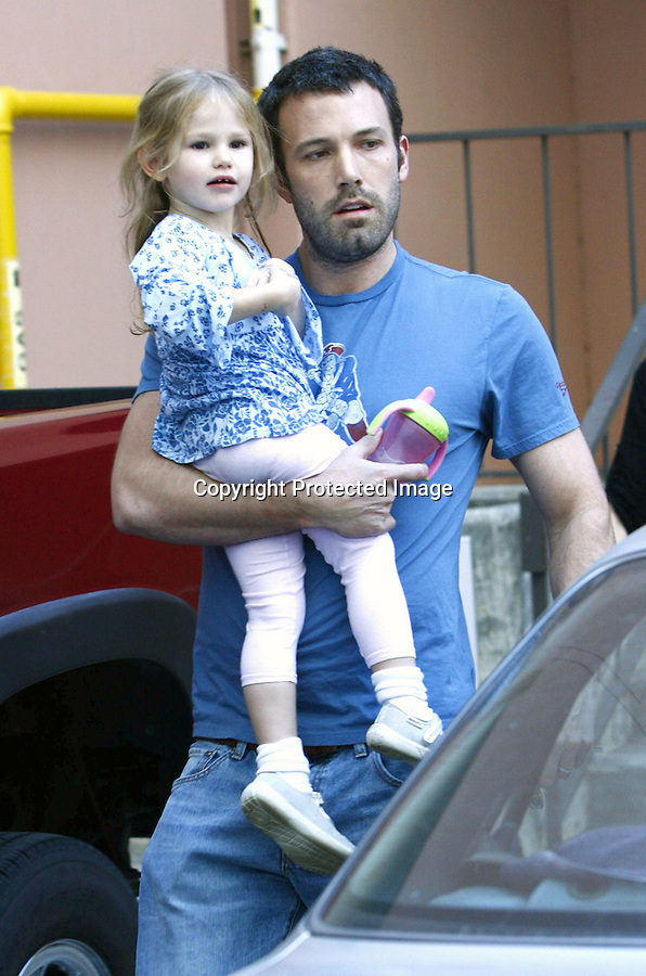 1-15-09.Ben Affleck dropping his daughter Violet at her nursery school in Los Angeles california...www.AbilityFilms.com.805-427-3519.AbilityFilms@yahoo.com.