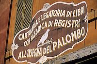 """Europe/Italie/Emilie-Romagne/Bologne : Enseigne papeterie """"A la Colombe"""" via Clavature"""