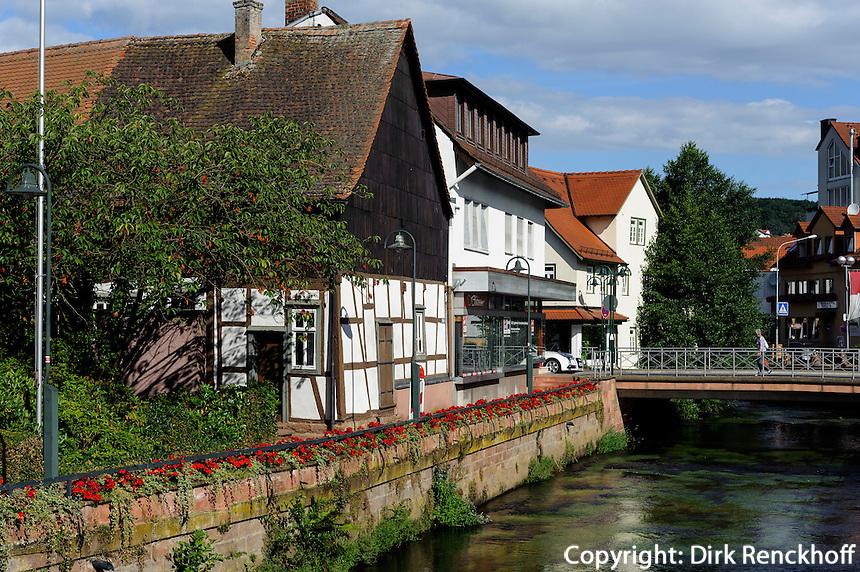Fluss Mümling in Erbach im Odenwald, Hessen, Deutschland