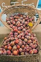 Fresh Fruit, Plums, Produce, Farmers Market, Urban, Farm-fresh produce, fruits