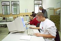 Scuola media superiore: Istituto Tecnico Industriale Feltrinelli. Milano, 10 maggio, 2004<br /> <br /> High School classroom. Milan, May 10, 2004
