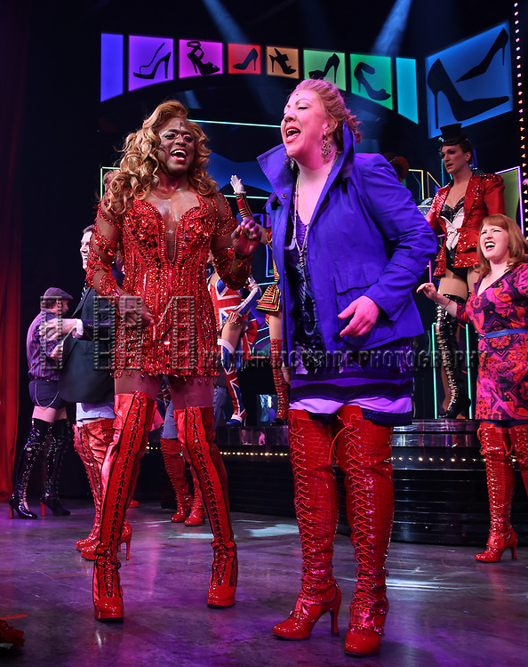 "Wayne Brady and Jennifer Perry during the Curtain Call for Wayne Brady's return to ""Kinky Boots"" on Broadway on March 5, 2018 at the Hirschfeld Theatre in New York City."