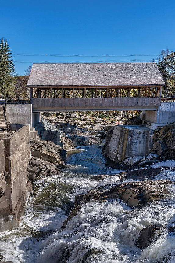 Quechee Covered Bridge, Hartford, Vermont, USA
