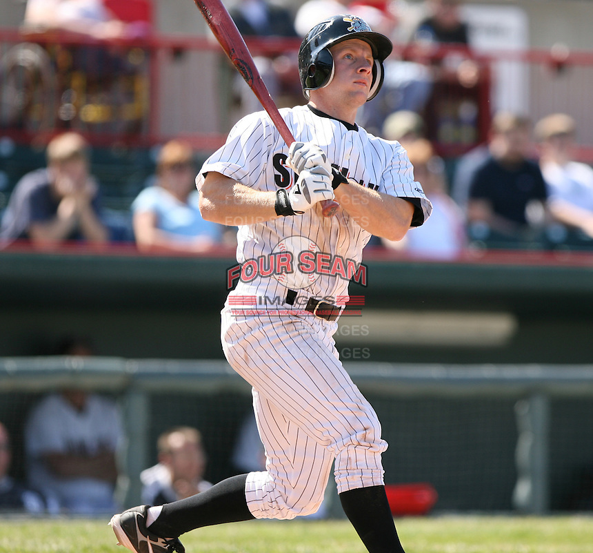 2007:  Nick McIntyre of the Erie Seawolves follows through during an at bat vs. the Bowie Baysox in Eastern League baseball action.  Photo by Mike Janes/Four Seam Images