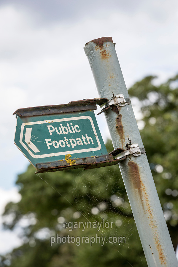 Public footpath sign - Lincolnshire