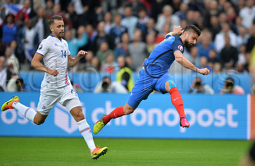 03.07.2016. St Denis, Paris, France. UEFA EURO 2016 quarter final match between France and Iceland at the Stade de France in Saint-Denis, France, 03 July 2016.   Olivier Giroud (fra) shoots and scores for 1-0